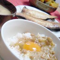 日本人の朝食は卵かけご飯からです!